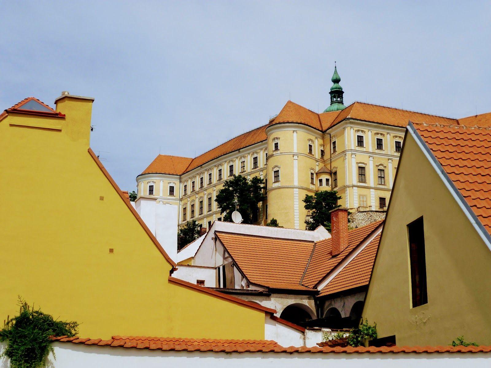 Carol Mikulov Castle 1