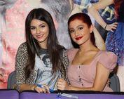 Blog de la Tele: Ariana Grande y Victoria Justice PELEAN en twitter
