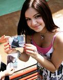 Ariel Winter & Victoria Justice fake nude photos that are on the
