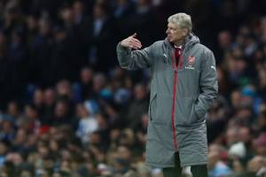 Paris Saint-Germain confident of securing Arsene Wenger?