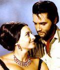 : Ina BALIN et un Elvis PRESLEY barbu dans le film