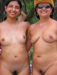 Nude Naked Beauties !: Indian family in a NUDE beach !