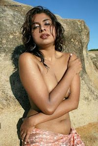 WOMEN IN THE WORLD: Mumbai model Shabana De posing nude pics