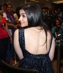 Alia Bhatt Nude Pics: Hot Alia Bhatt Showing Her Back