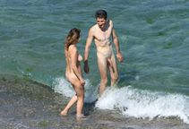 Spy Cam Dude: Nude beach