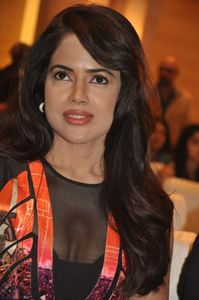 , photo shor of sameera , sameera reddy hot stills by Nisha Kothari