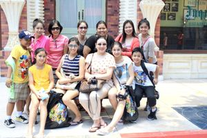saw Marjorie Barretto and kids @ Universal Studios pretty little