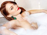 ramashka: Emma Stone topless in her bath UHQ