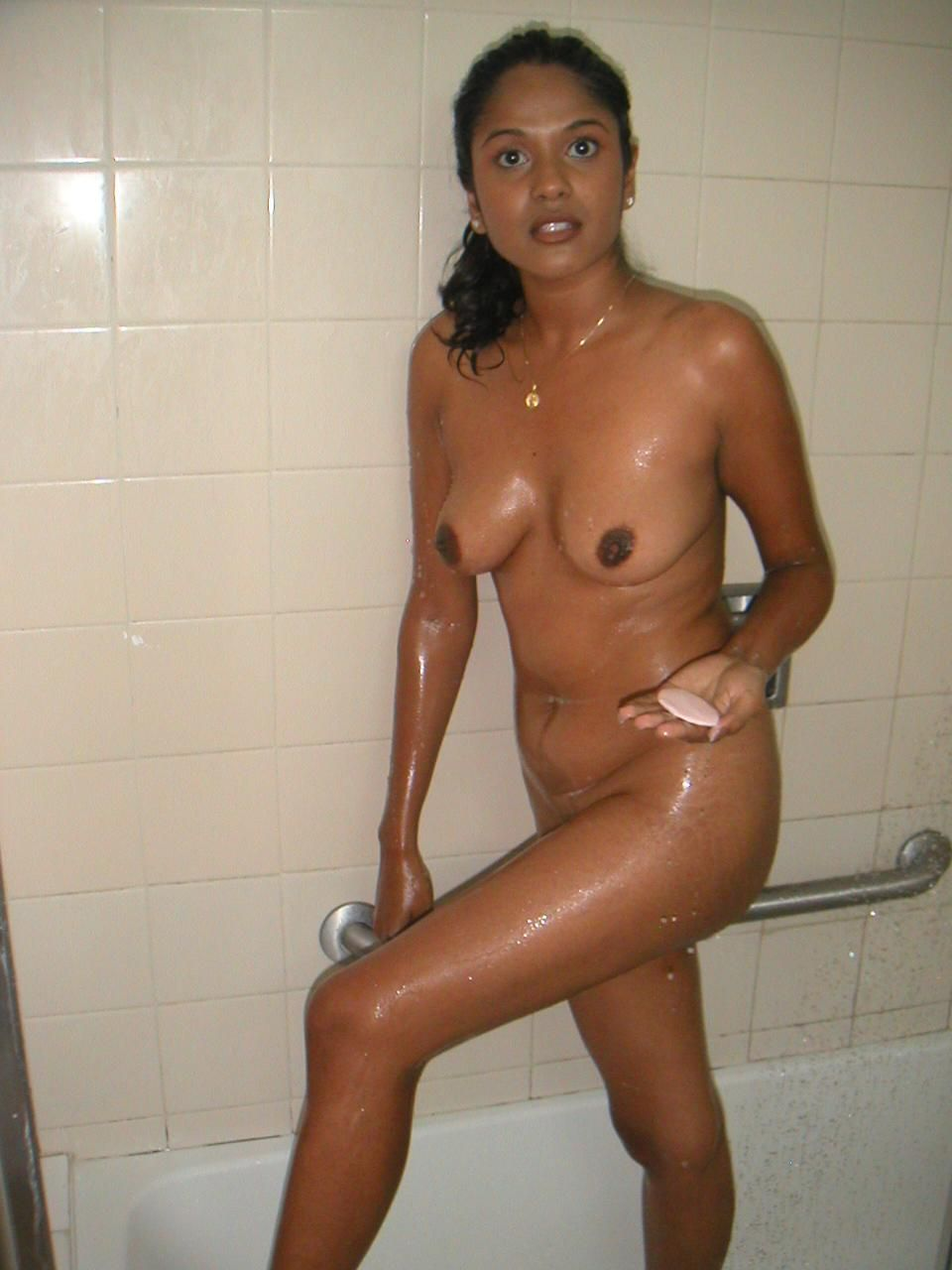 Tamil Girl Opean Bath
