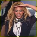 "Beyonce Performs ""Who Run The World (Girls)"" On Oprah's Farewell Show"