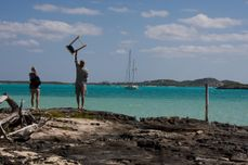 plodding in paradise: STOCKING ISLANDERS