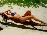 Hollywood actress Patricia Ford in hot bikini photos