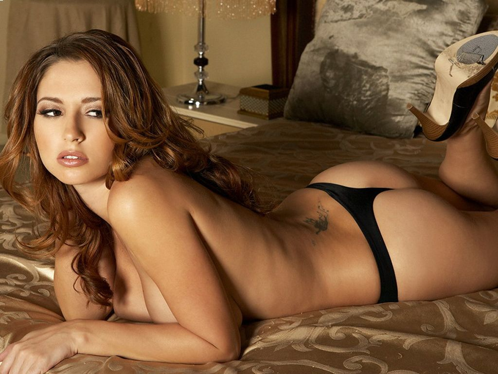 150 Hottest Girls Pictures On Web