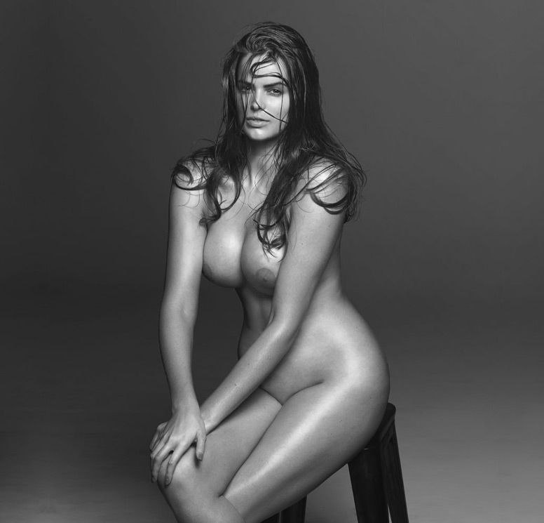 Minea Nude