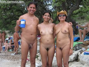 nude_indian_mother_daughter_Andreawithherparents jpg