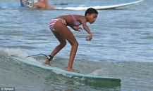 Celebrity Gists!: Jaden & Willow Smith flaunts their surfing skills in