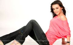 Pixwallpaper  Wallpaper directory : Hot Sanaya irani in cool role of