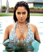 BOLLYWOOD: Sameera Reddy tops pics