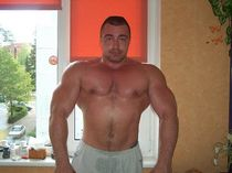 Muscle daddy from Russia