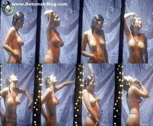 00e55_kareena_kapoor_bathing_nude jpg