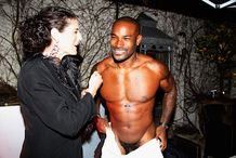 Hip Hop Buzz: Sexy Ass Tyson Beckford Cuaght With his pants Down