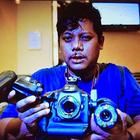 Gambar Petugas Media New Straits Times (NST) Ditumbuk Ahli Keluarga Mangsa MH17