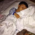 Media Serving - MH17: Sayu, Gambar Anak Tidur Berselimutkan Pakaian Bapa
