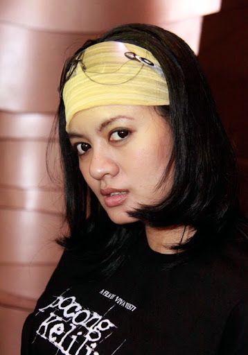 Photos Yeyen Lidia Actress Indonesia