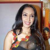 Mallu Aunty Open Blouse Without Saree Still Showing Her Smooth Navel