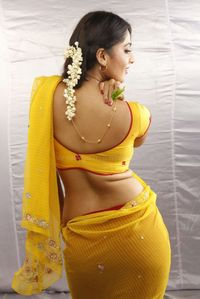 tamil actress navel and hot pics: tamil actress anushka waist folds