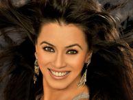 Desi Hot Indians Actress Photos: Mahima Chaudhary Hot Photos Bikini