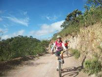 trilha da bundinha fica bem pertinho da cidade no altiplano leste