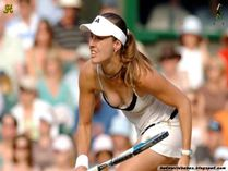 Martina Hingis downblouse exposing her boobs : Hot n Wild Babes