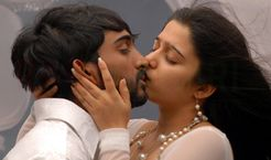 Cute Pics Gallery: tollywood lip kisses photos
