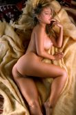 Daeron: Divas X: Suzi Simpson (II): Nude on bed