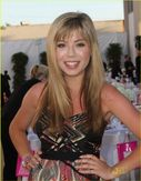Jennette McCurdy y Grande Ariana: �ngel Awards 2011
