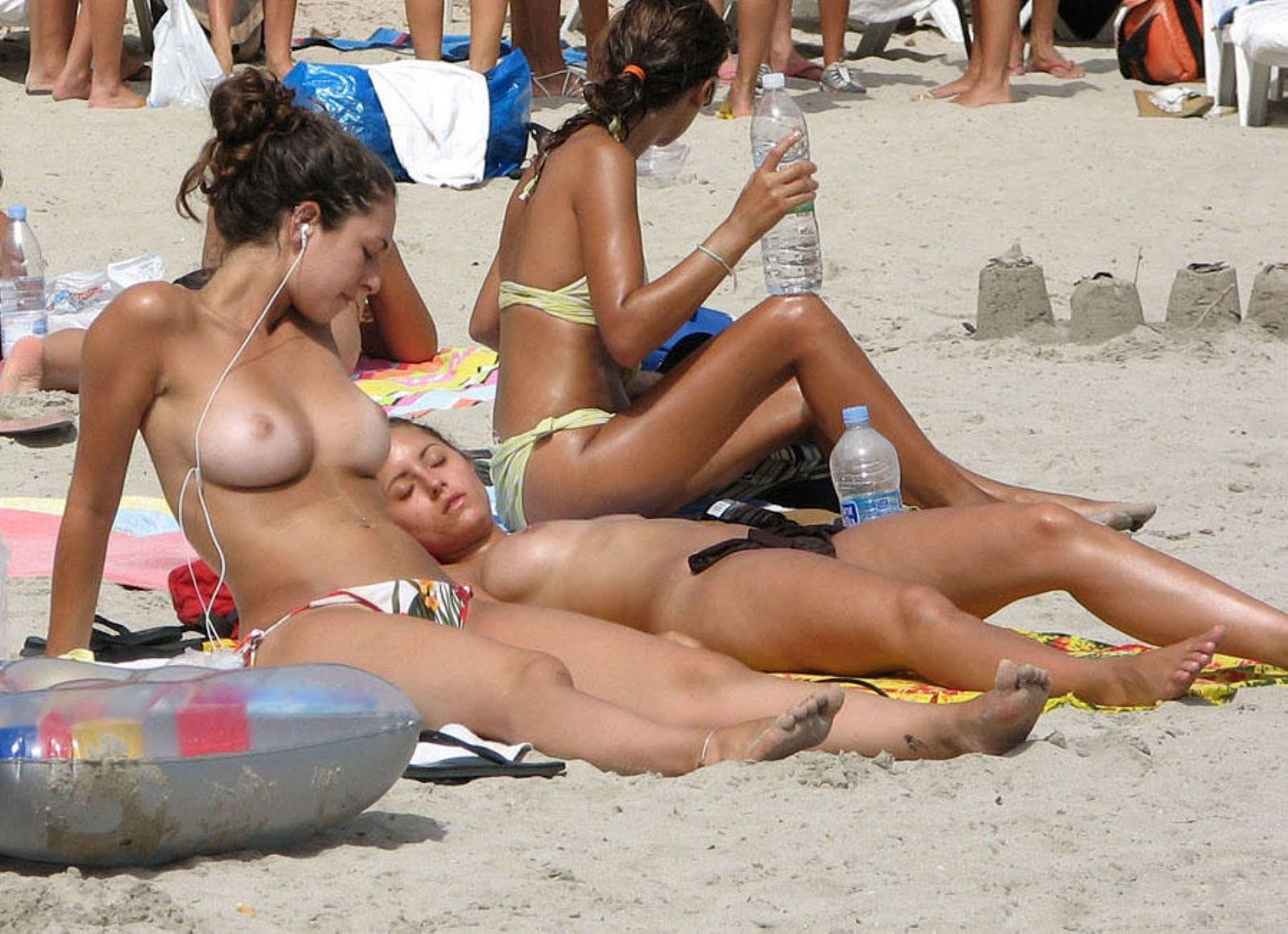 Beach Voyeur Topless Hot Teens