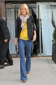 Sensible Style: LOOK 4 LESS: KELLY RIPA OUT AND ABOUT IN NYC