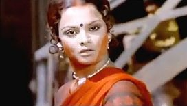 looked as if someone had wiped their dekha all over Rekha's makeup