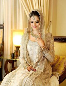Video Description: latest Pakistani bridal dresses 2012  meena kari·2