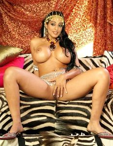 Slut Actress: Mahie Gill Nude Naked Showing Big Boobs And Pussy