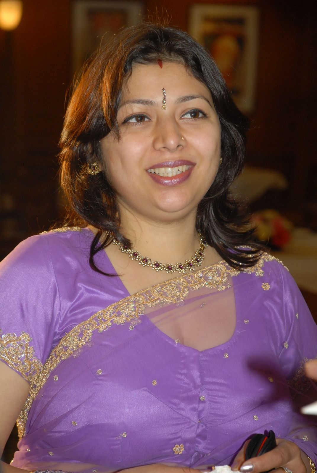 Aunty In Transparent Without Blouse