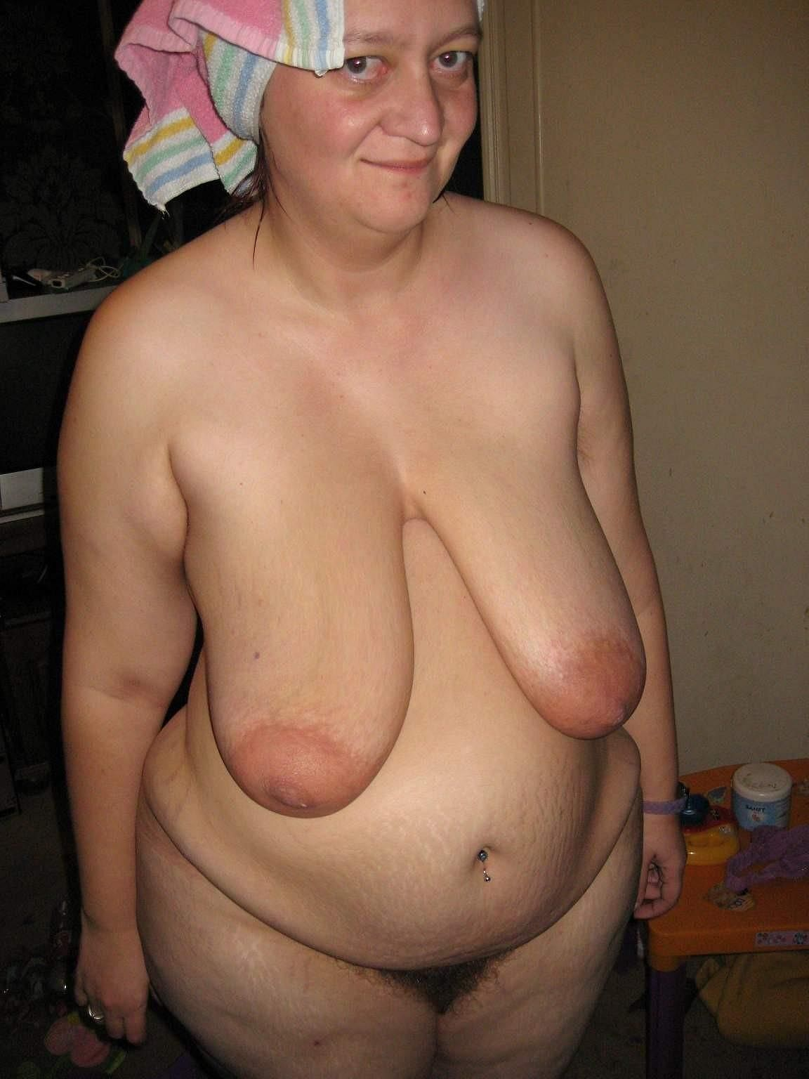 Old Mature Granny With Big Dildo And Big Tits