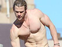Chris Hemsworth Naked (Man) | Ari Admani