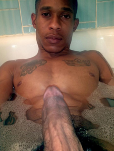 NAKED MEN WORLD: SELF PIC: HOT #BLACK GUY WITH HARD #COCK IN BATH!