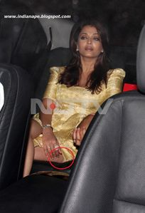 Aishwarya Rai Panty Visible @KJo B'day party IndianapeBlog