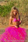 Shakira � Pink Bikini Photoshoot   punaisestatorpasta