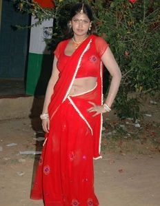 Indian Masala Aunties Navel Gallery: Hot Mallu Aunty Bhvaneshwari