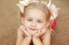 Frosted Photography: Beautiful new baby Ava, her big sister Emma, and