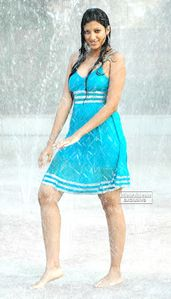 Sexy Telugu Masala Actress HAMSA NANDINI Dancing in Rain Hot Pics